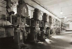 Il pastificio Barilla nel 1936 impiantò una serie di sei presse continue seguita, nel 1938, da una seconda serie di sei macchine (Parma, Archivio Storico Barilla)